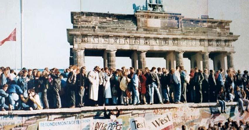 Tag der Deutschen Einheit, Fall der Berliner Mauer 1989. Foto: Lear 21, Wikipeida, CC BY-SA 3.0